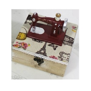 Sewing Box - Wood - Sewing Machine