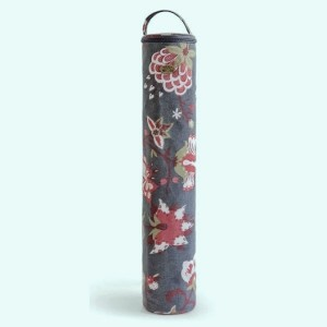 Casing to guard needles -  Colombines Flowers Vintage -DMC
