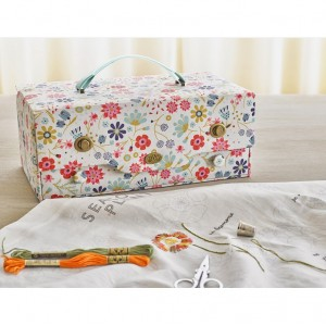 "Sewing box  ""In the Garden"" - DMC - No 2"